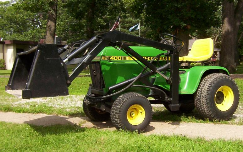 JD 400 with Loader