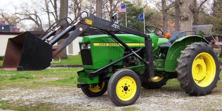 JD 850 with Loader